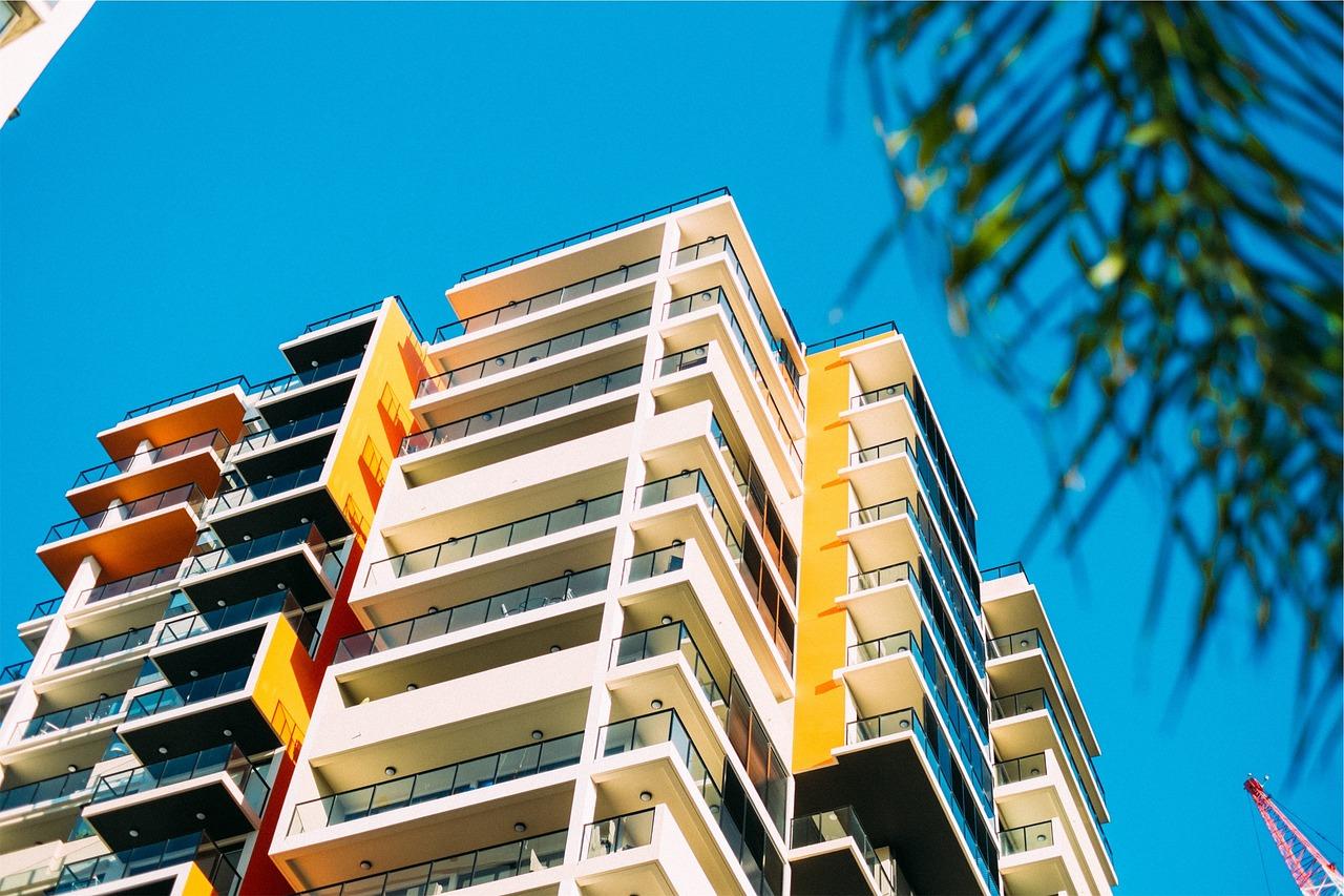 Szczelność obiektów. Uszczelnianie balkonów, badanie i testy szczelności budynku w Warszawie
