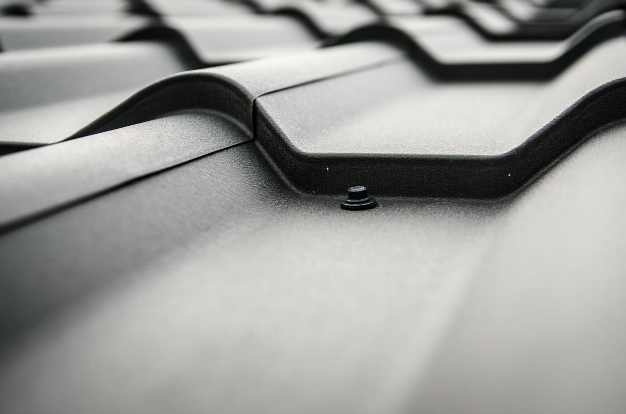 Dach i jego szczelność – lokalizacja nieszczelności dachu. Badania i próba szczelności dachu